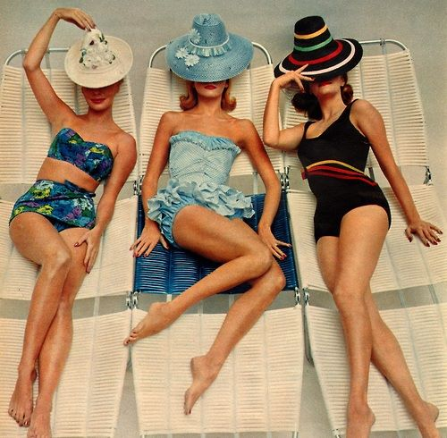 Today many styles are available including longline unitard type suits for competitive swimming one piece swimsuits that feature small skirts ... & Classic Elegance of 20th Century: Retro Style Bathing Suits - Look4ward
