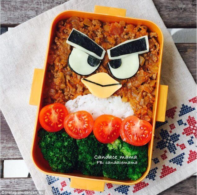 3741156700000578-3743447-Healthy_chilli_and_rice_is_turned_into_an_Angry_Bird_for_her_chi-m-31_1471361503296