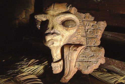 the-aliens-have-elongated-heads-large-eye-sockets-and-long-spinally-arms-egyptian-artifacts