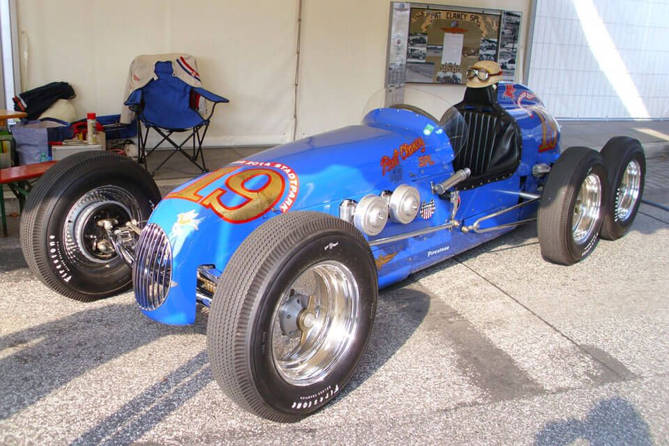 15 of the world 39 s strangest 6 wheel cars look4ward for Clancy motors used cars