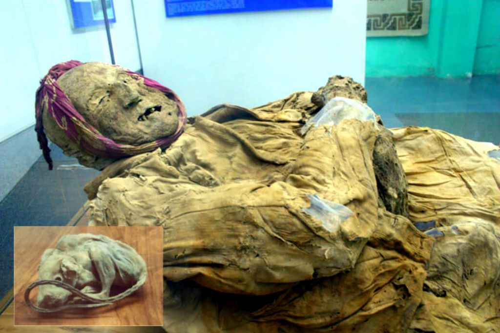 Weird Mummy Buried In A Jar With A Little Mouse Found In