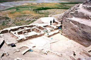 Ancient 'Fast Food' Window Discovered At Godin Tepe