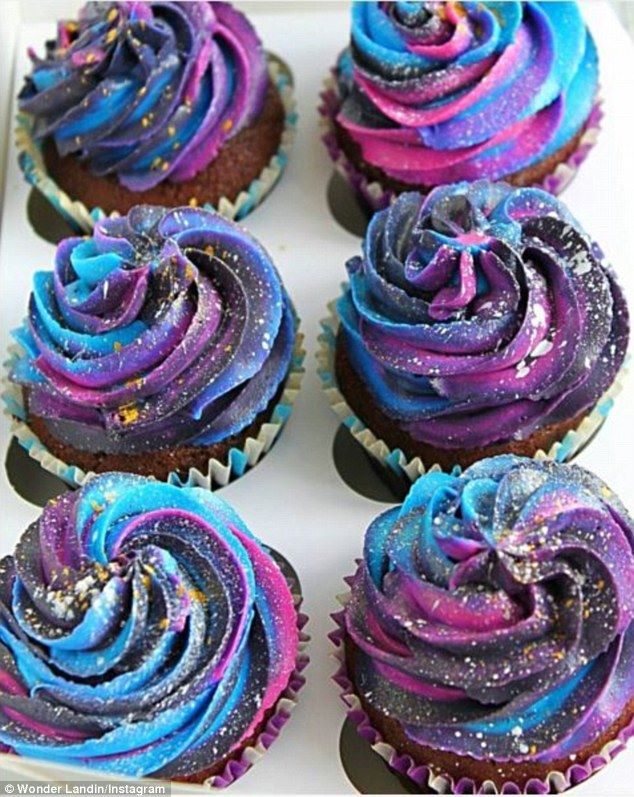 35ACDFA400000578-3660323-Milky_way_Cupcakes_have_also_been_made_into_mini_galaxies_with_s-a-114_1466917346069