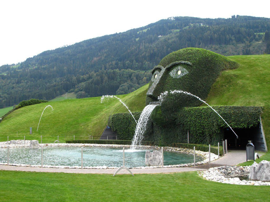 Swarovski-Fountain-4