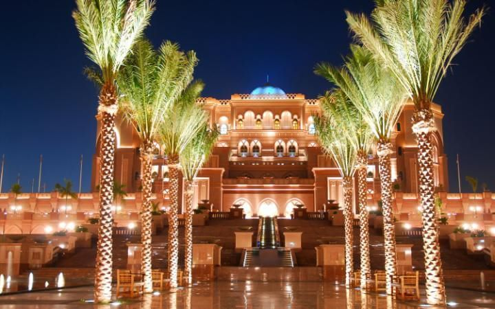 abu-dhabi-attractions-emirates-palace-hotel-large