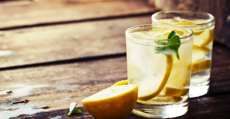 lemon-water-benefits-table-800x416