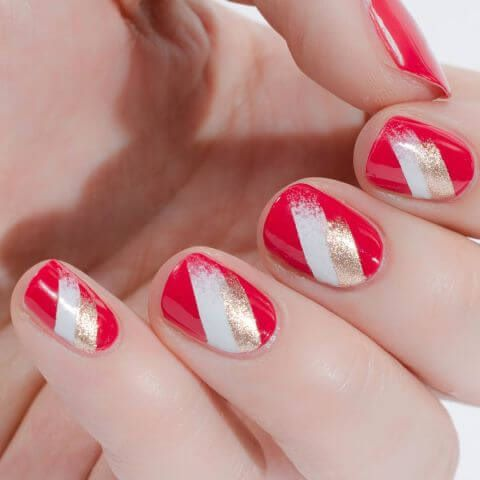 1471290587-elle-olympic-nails-palemoon