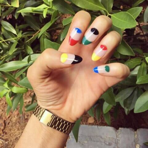 1471290593-elle-olympic-nails-ladie-evil