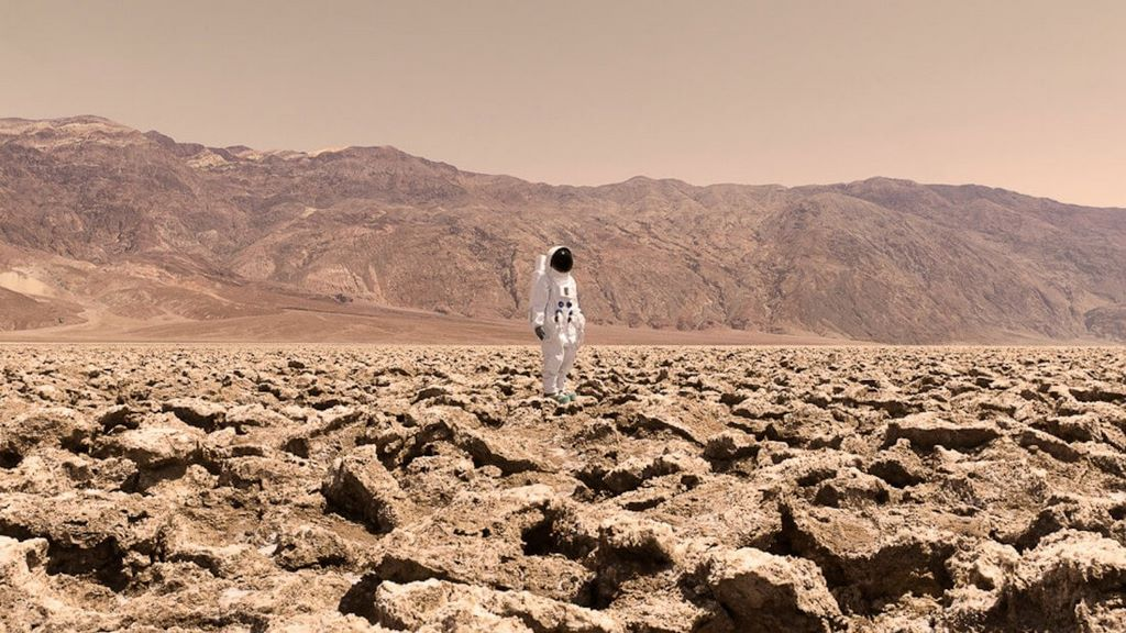 160729142835-julien-mauve-greetings-from-mars-22-super-169