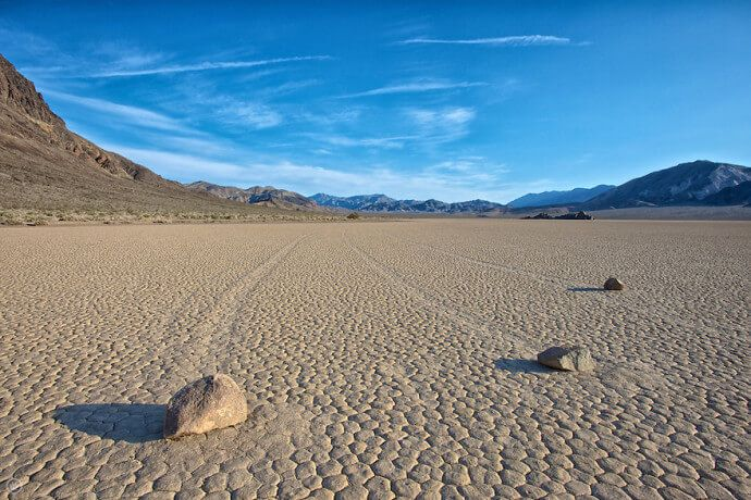 Sailing-Stones-Death-Valley1-690x460