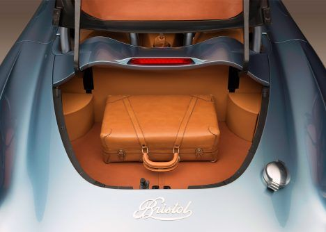 bristol-cars-bullet-sports-car-uk_dezeen_1568_4-468x334