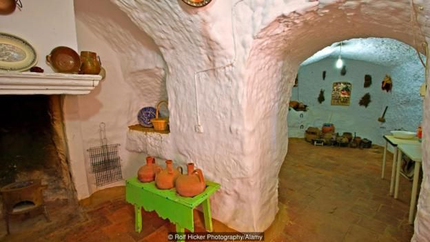 Interior of a cave dwelling in the town of Guadix, Province of Granada, Andalusia (Andalucia), Spain, Europe.