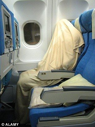 Unexpected:-The-Plane's-Dirtiest-Areas-Revealed2