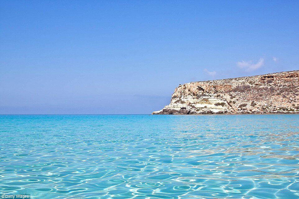 Take-A Step-Into-The-Clearest-Waters-ever21