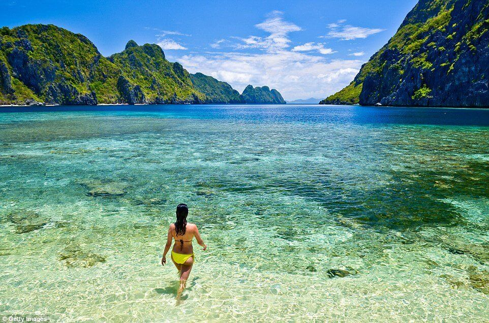 Take-A Step-Into-The-Clearest-Waters-ever8