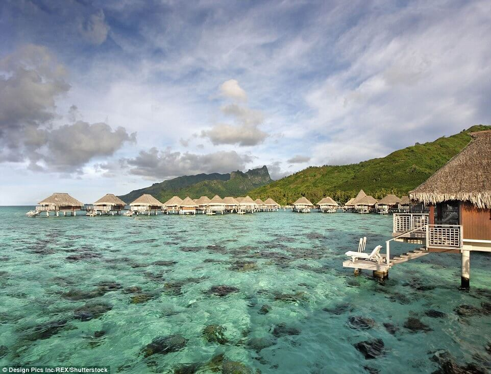 Take-A Step-Into-The-Clearest-Waters-ever14