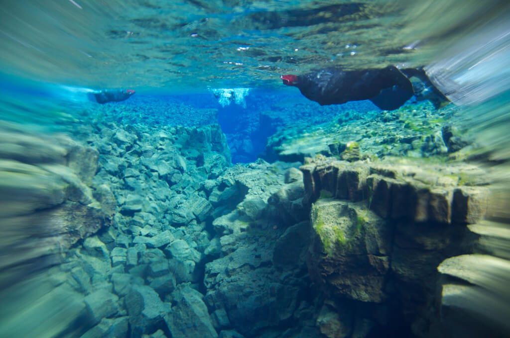 Iceland extreme diving
