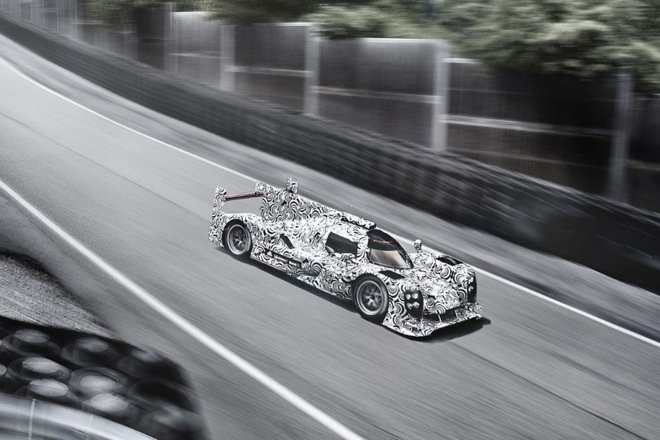 the-art-of-car-camouflage6