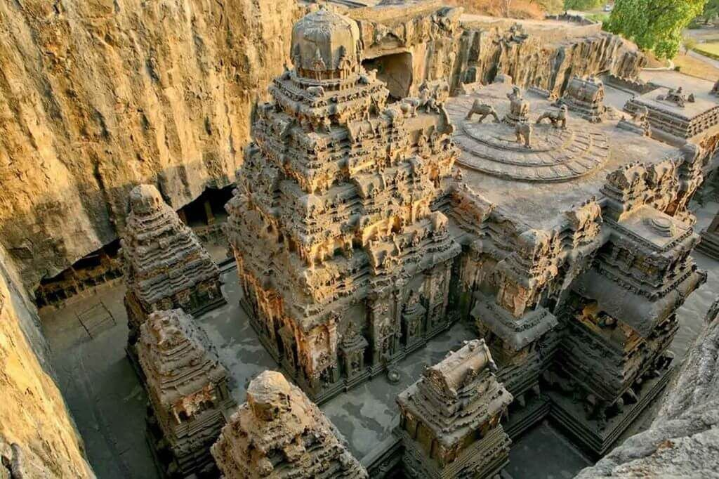 ancient-hindu-temple-1024x682