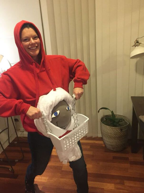 pregnancy-halloween-costume-11