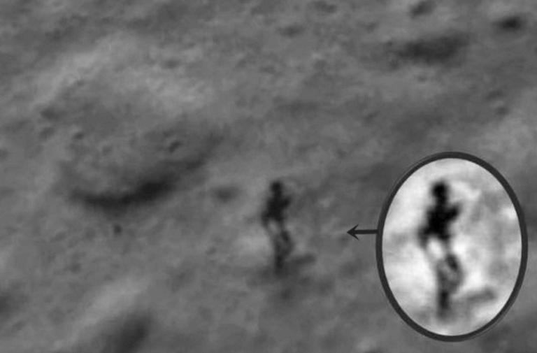 mysterious-images-from-moon3