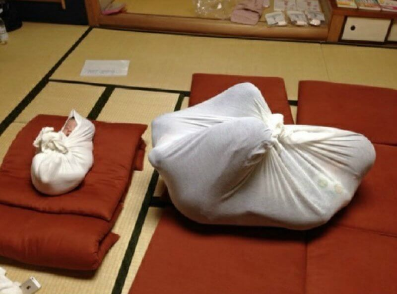 Otonamaki: Stress-Relieving Adult Wrapping Is Becoming Trend In Japan