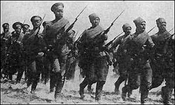 russian-troops-headed-to-the-attack-during-the-brusilov-offensive