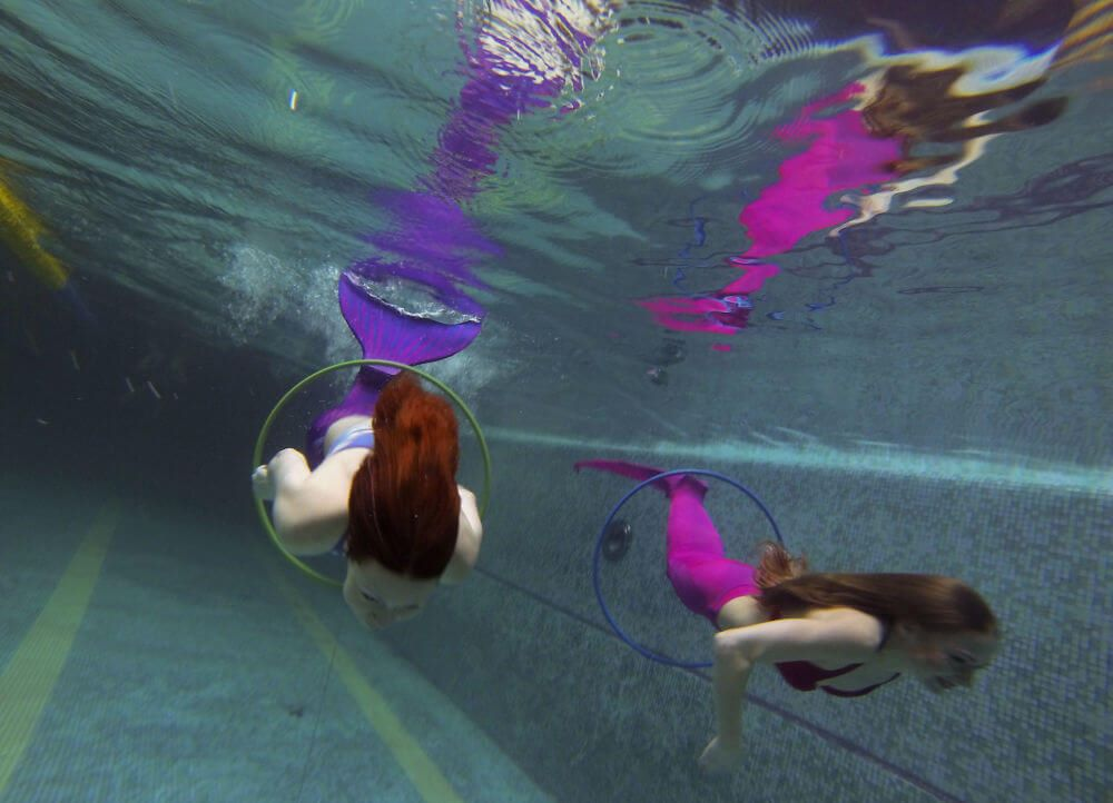 A New Type OfFitness Trend: Mermaid Swimming