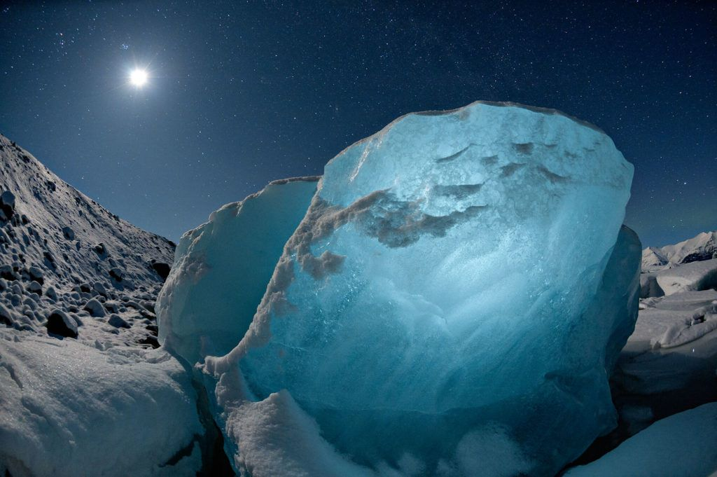 Chasing Ice: Photographer Documents How Glaciers Melted Over Decade