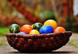 5 Theories: Why We Dye Eggs For Easter?