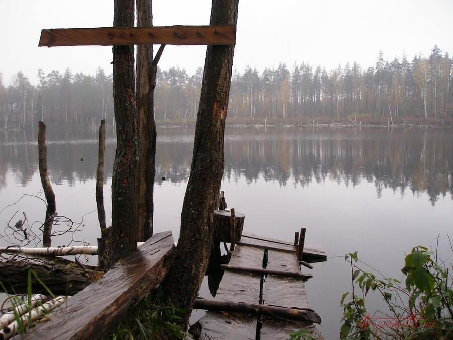 The Smerdyachee Lake: An Intriguing Meteorite Crater Near Moscow