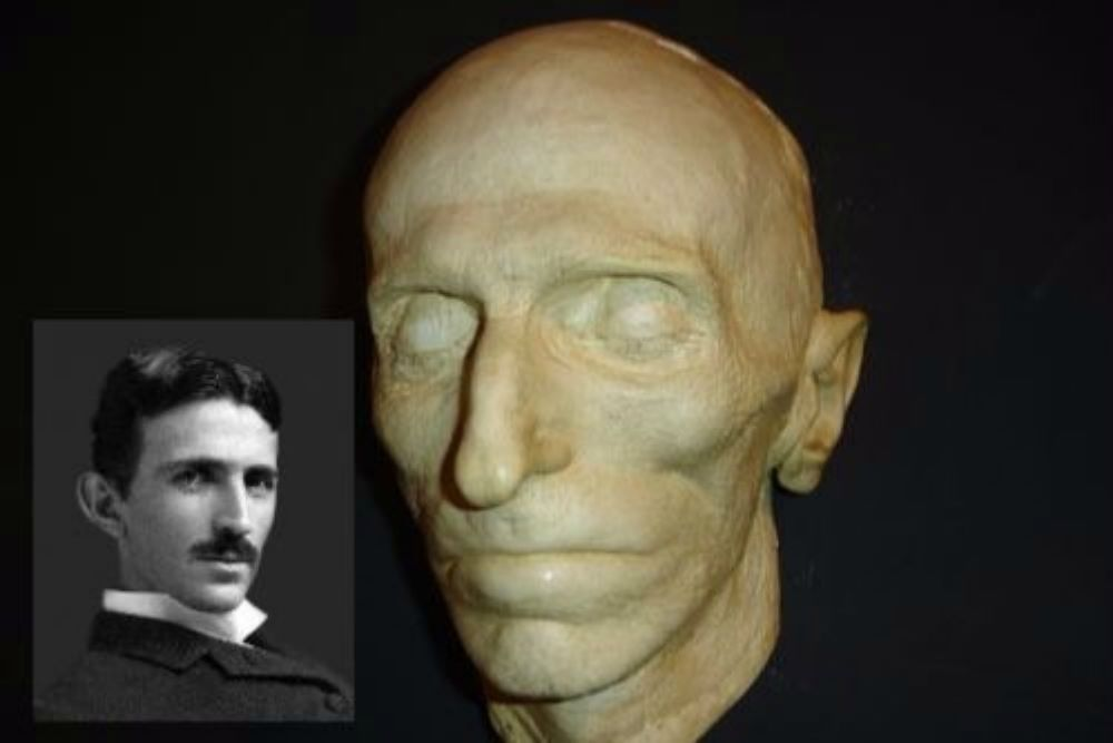 death mask as a way to preserve history and breathe life into the dead. Black Bedroom Furniture Sets. Home Design Ideas