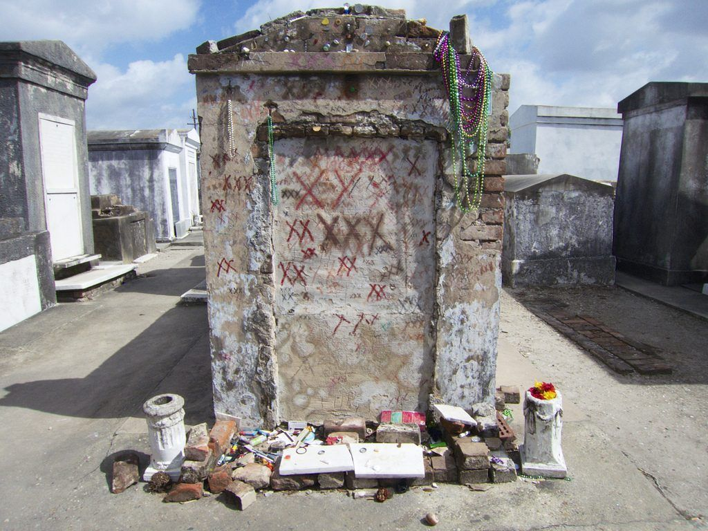 10 Most Mysterious Graves That Defy Explanation