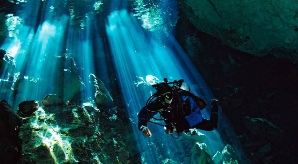 Ancient Mayan Artifacts: Massive Underwater Caves Reveal Staggering History